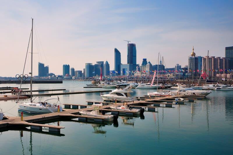 Yacht-Docks, Qingdao   lizenzfreie stockbilder
