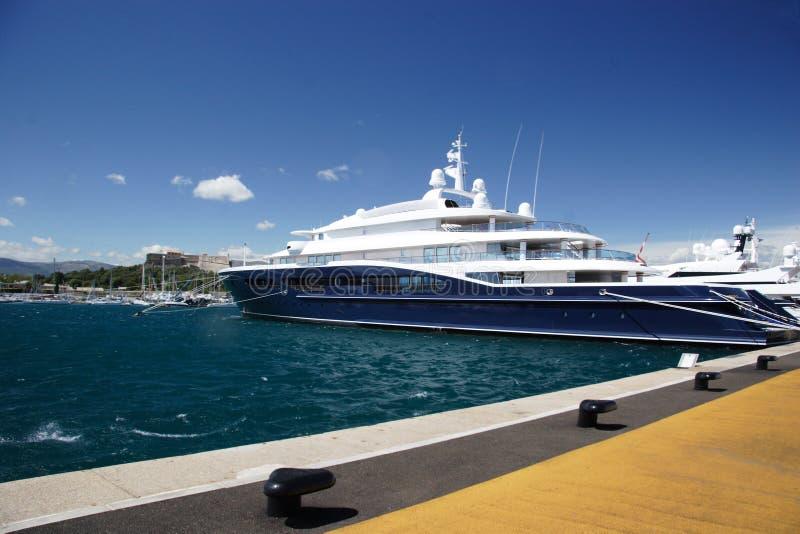 Yacht eccellente in Antible immagini stock