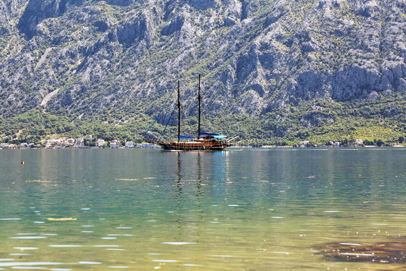Download Yacht en mer photo stock. Image du extérieur, adriatique - 87702784