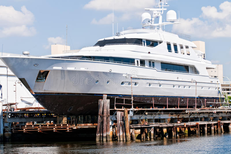 Yacht et marina photographie stock