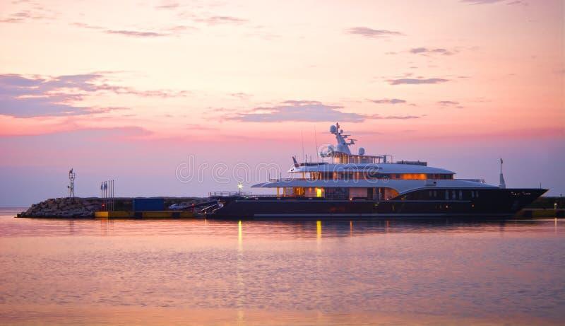 Yacht méga de luxe photo libre de droits