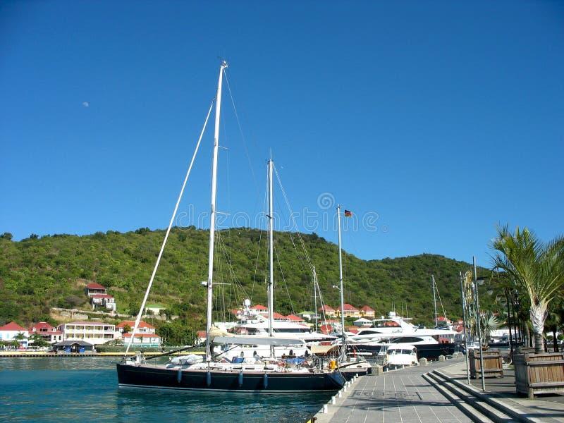 Yacht mega nel porto di Gustavia a St Barts fotografia stock