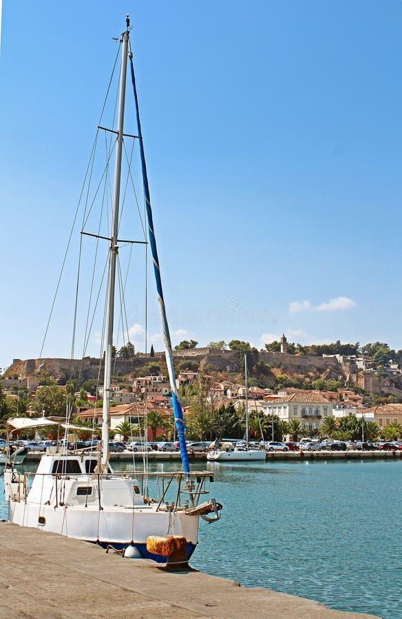 Yacht près de Nafplio, Grèce photographie stock