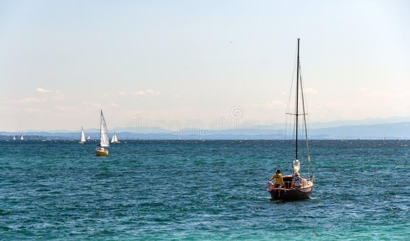 Yacht sul lago konstanz fotografia stock libera da diritti