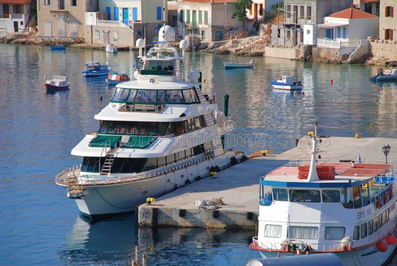 Yacht superbe de quarante amours, Halki photographie stock