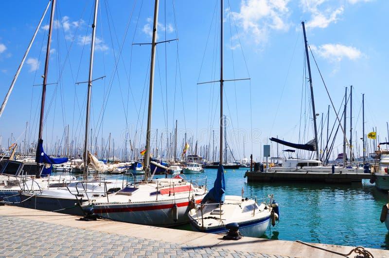 Yacht sur la couchette dans Palma de Majorca images stock