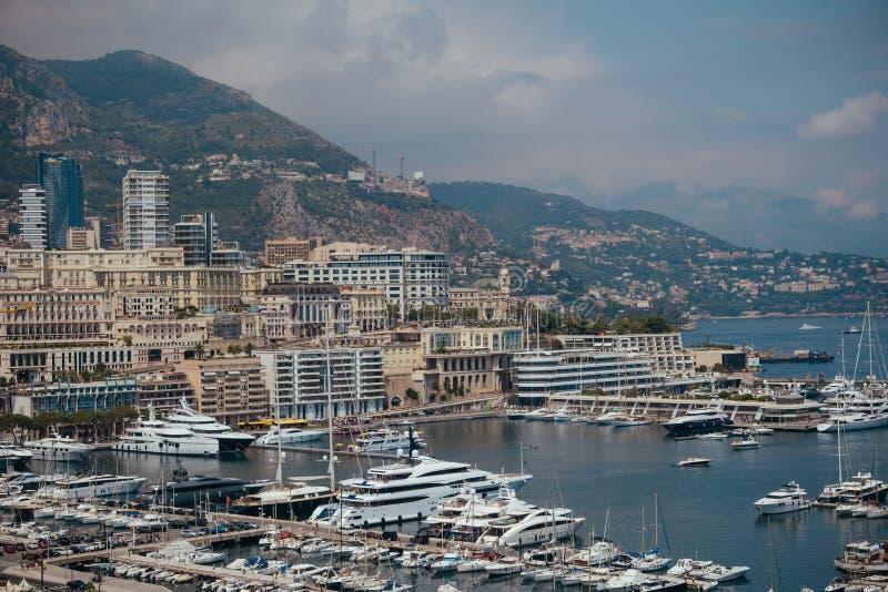Yachtboote und -schiffe im Hafen von Monaco Monte Carlo im Sommer Frankreich, Europa stockfoto