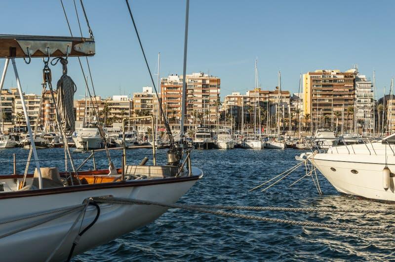Yachtclub in Torrevieja, Spanien lizenzfreies stockfoto