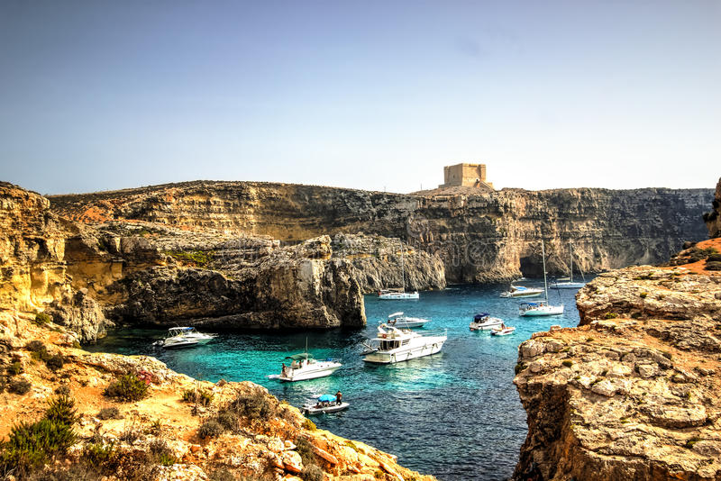 Yachten in Comino-Insel, Malta lizenzfreie stockfotos