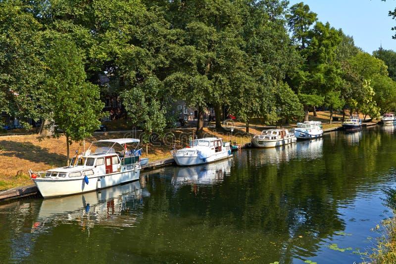 Yachten in der Bucht von Utrecht Holland July stockbild