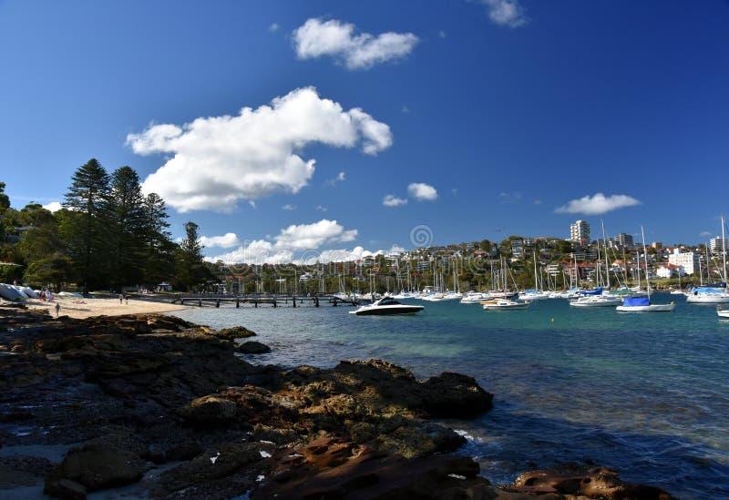 Yachten im Nordhafen bei vierzig K?rben setzen auf den Strand lizenzfreies stockfoto