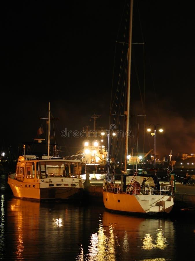 Yachten Nachts Lizenzfreie Stockfotografie