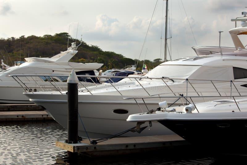 Yachten und Boote stockbilder
