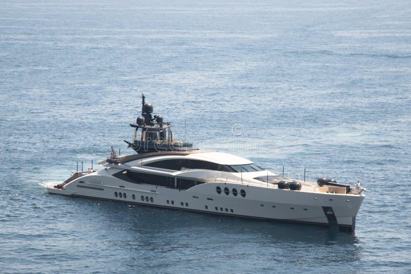 Yachter i hamnen i Monaco royaltyfri fotografi