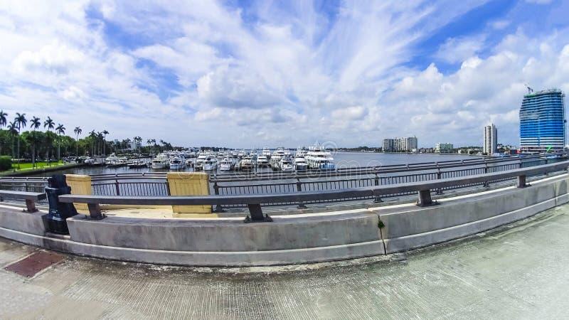 Yachter på West Palm Beach, Florida arkivbilder