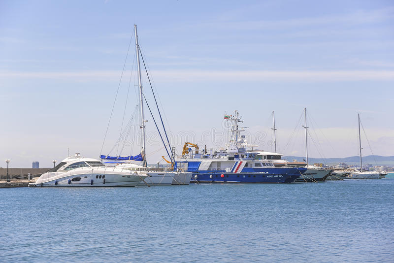 Yachtjachthafen in St. Vlas, Bulgarien lizenzfreie stockbilder