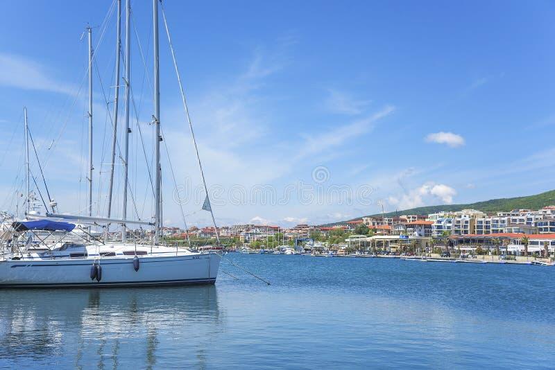 Yachtjachthafen in St. Vlas, Bulgarien stockbild