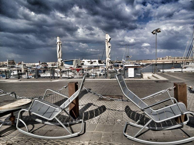 Yachtjaffa-Hafenisrael-Himmelrestaurant lizenzfreies stockbild