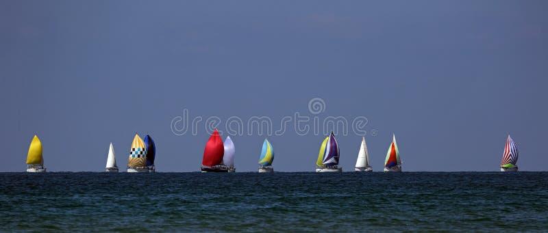 Yachtrennen in hoher See lizenzfreies stockfoto