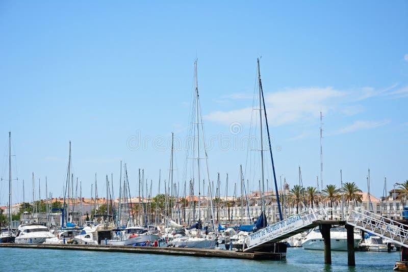 Yachts o iun o porto, Vila Real de Santo Antonio foto de stock royalty free