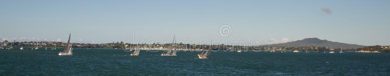Yachts sur le port de Waitemata, Auckland NZ - 6 images stock