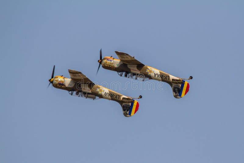 Yacs 52 maniobras acrobáticas foto de archivo