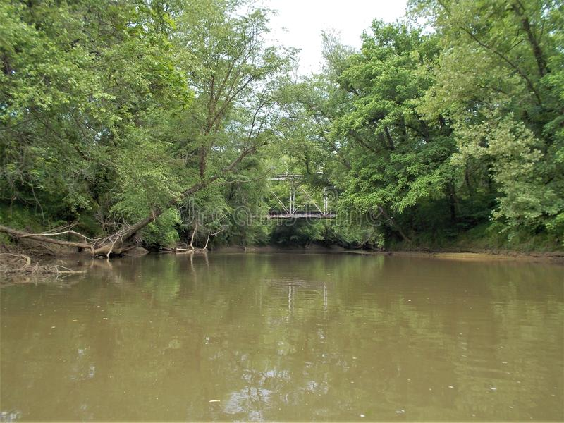 Yadkin flod nära Winston-Salem, North Carolina royaltyfria foton