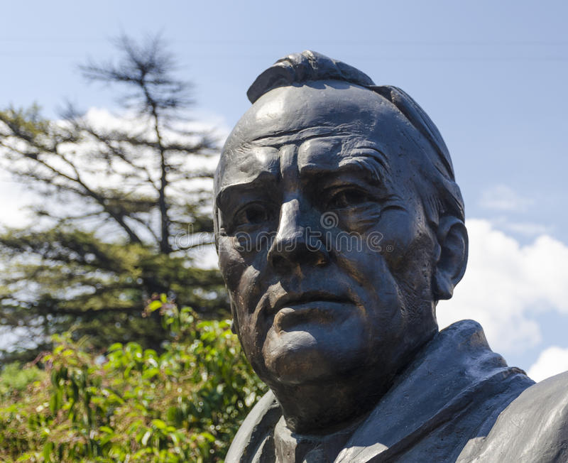 Yalta RYSSLAND - Juli 3: Öppning av monumentet in royaltyfri bild