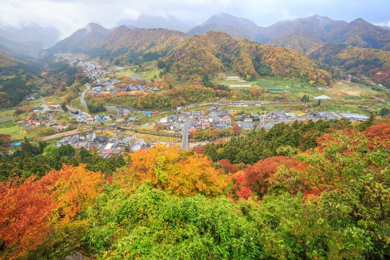 Yamaderastad van hoge mening in de herfst - Yamadera, Yamagata, Japan royalty-vrije stock afbeelding