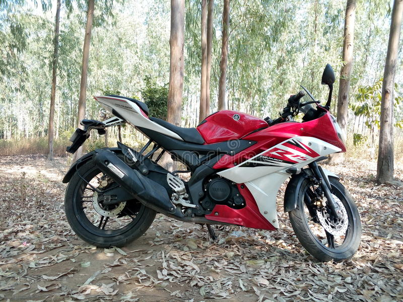 Yamaha R15 стоковое фото rf