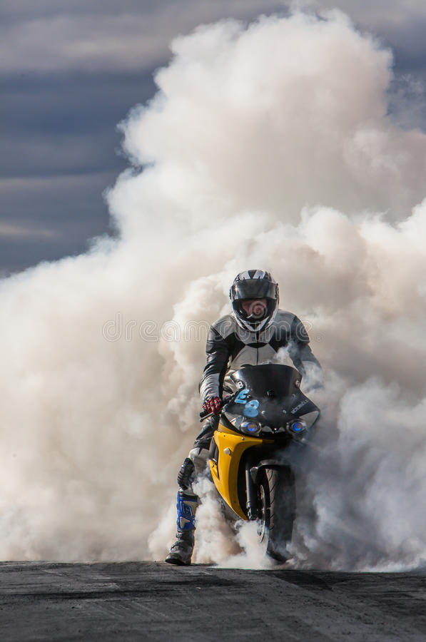 Yamaha YZF-R6 Burnout. Photo of a 2004 Yamaha YZF-R6 burnout at motorcycle drag racing in Iceland September 8, 2012 royalty free stock images