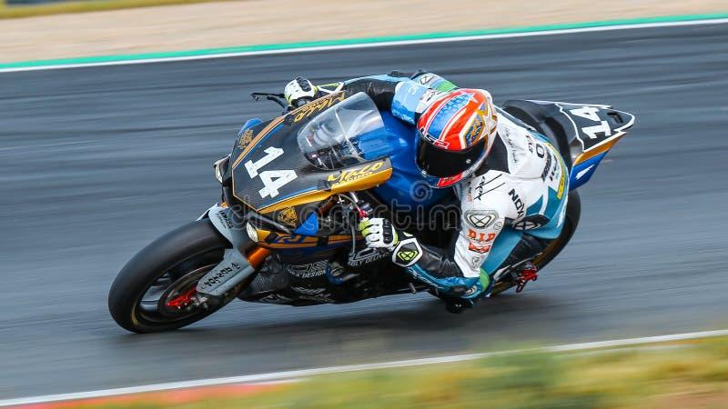 Yamaha YZF-R1 por el equipo QUE COMPITE CON de MACO compite al EWC de la FIM imagen de archivo