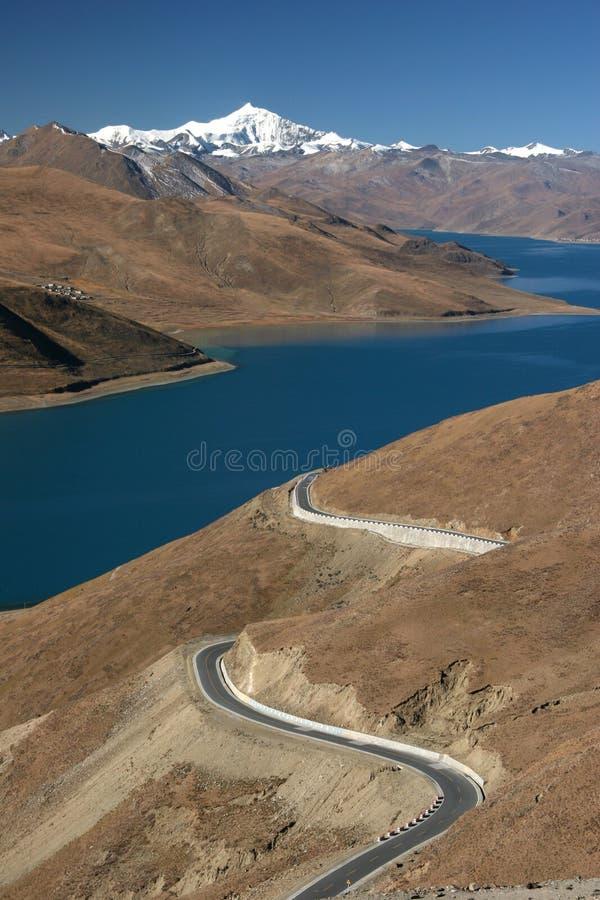 yamdrok tso озера стоковое фото