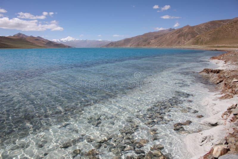 Yamzhoyum sjö fotografering för bildbyråer