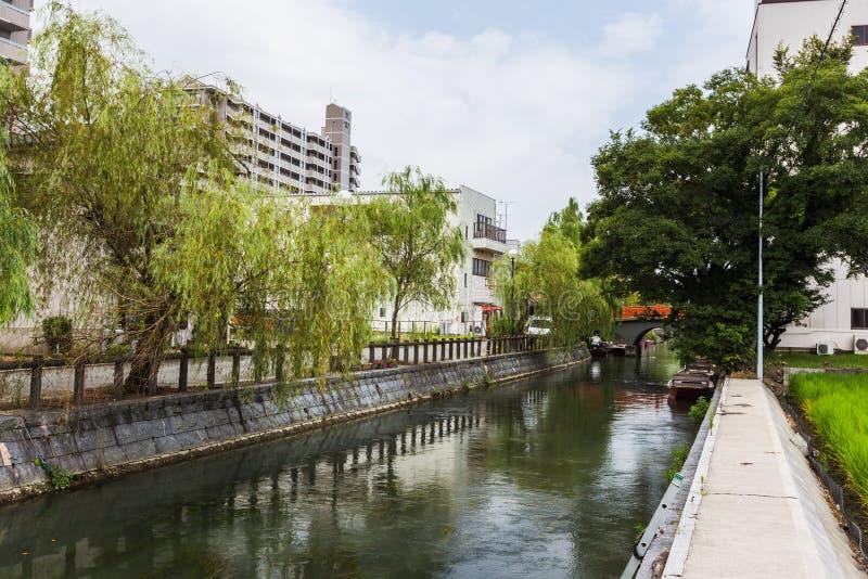 Yanagawa-Kanal für japanischen Bootsausflug in Fukuoka lizenzfreies stockbild
