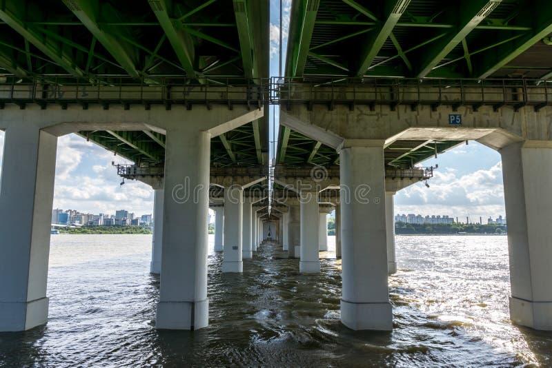 Yanghwa桥梁和汉江 图库摄影