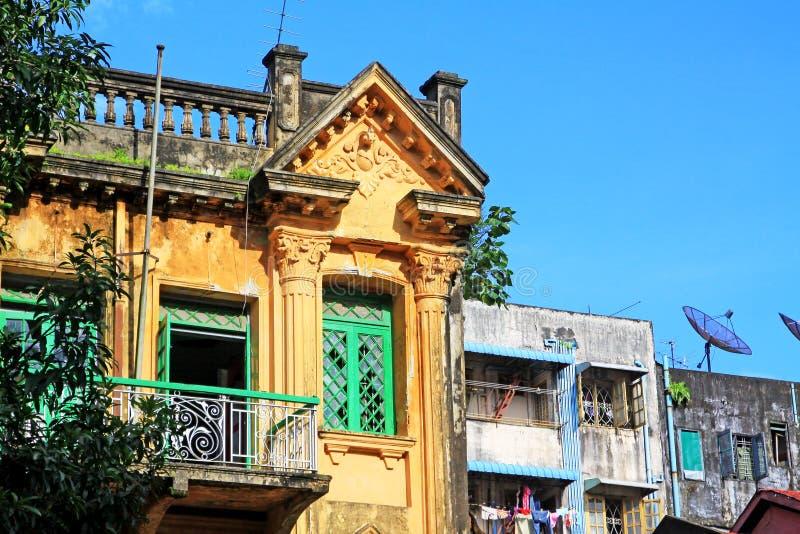 Yangon kolonial byggnad, Myanmar arkivfoton