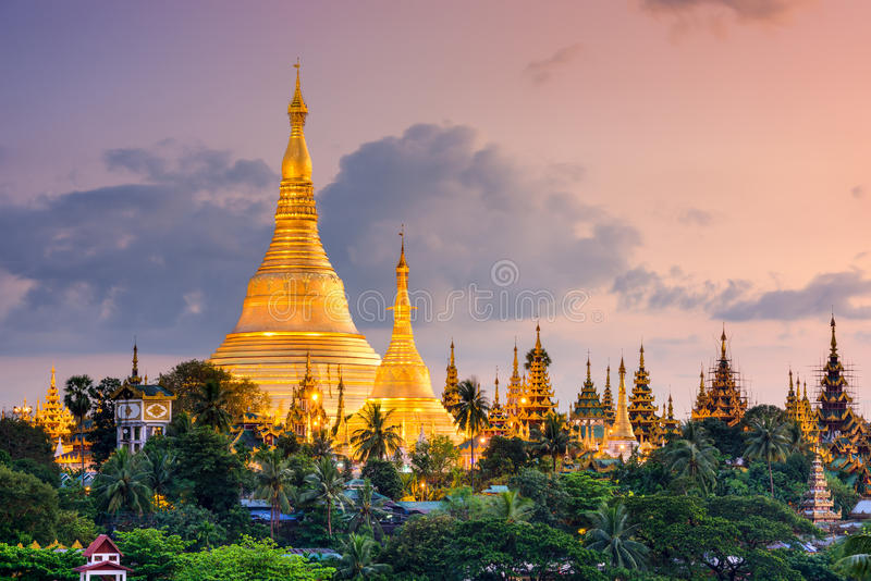 Yangon Myanmar no pagode de Shwedagon foto de stock royalty free
