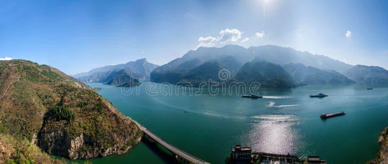 Yangtze River Three Gorges Qutangxia Fengjie flodvatten royaltyfri bild