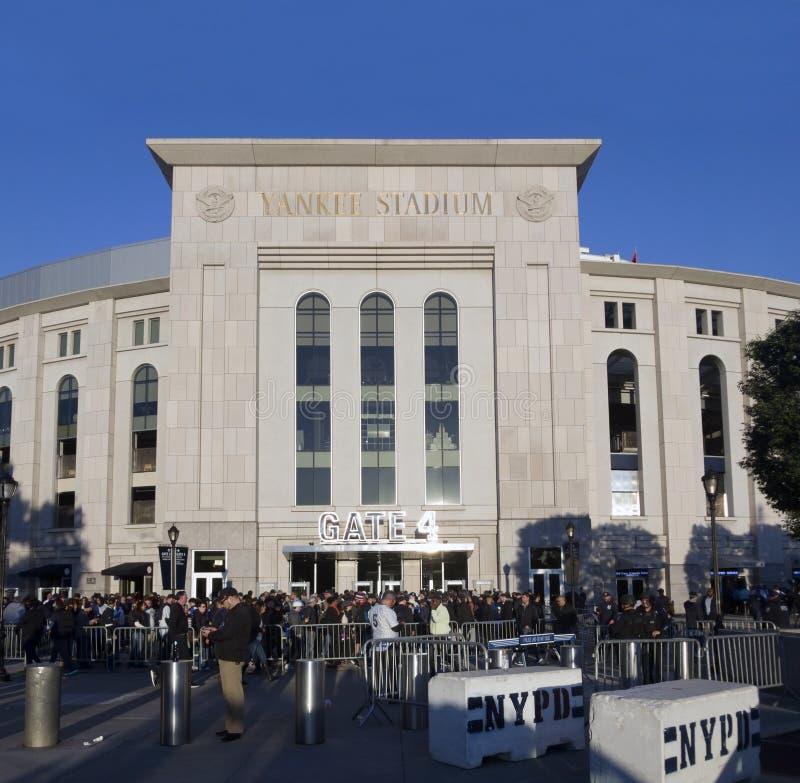 Yankee Stadium kurz vor einem Spiel im Bronx stockbilder