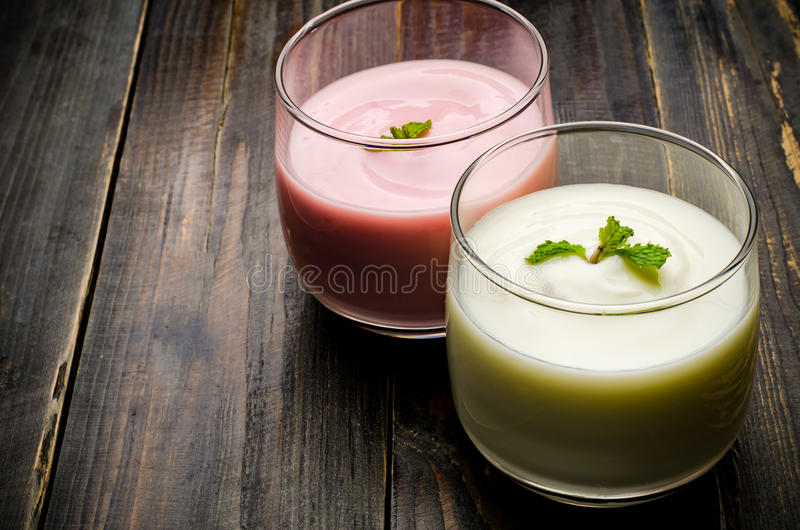 yaourt photos libres de droits