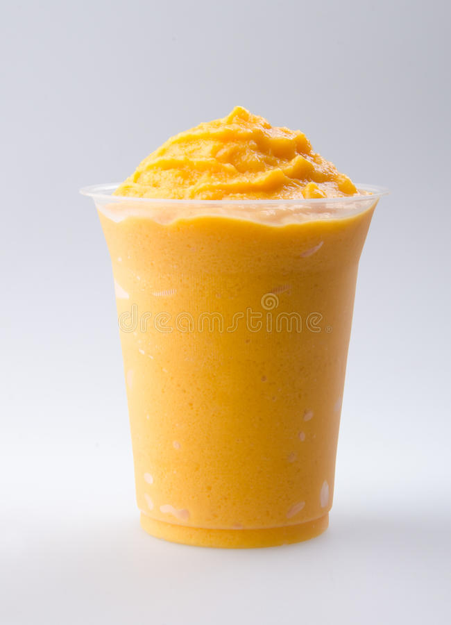 Yaourt de mangue, lait de poule   photo stock