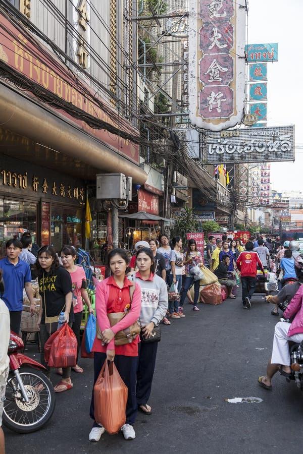 Yaowarat droga w Porcelanowym miasteczku w Bangkok, Tajlandia obraz royalty free