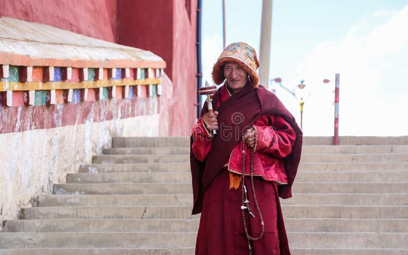 YARCHEN GAR, THE WORLD´S SECOND BIGGEST BUDDHIST SCHOOL IN SICHUAN, CHINA royalty free stock images