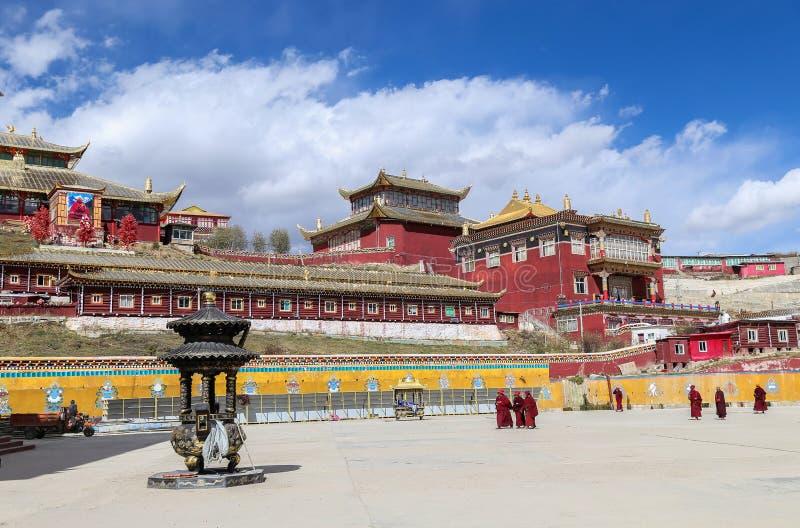YARCHEN GAR, THE WORLD´S SECOND BIGGEST BUDDHIST SCHOOL IN SICHUAN, CHINA stock photo