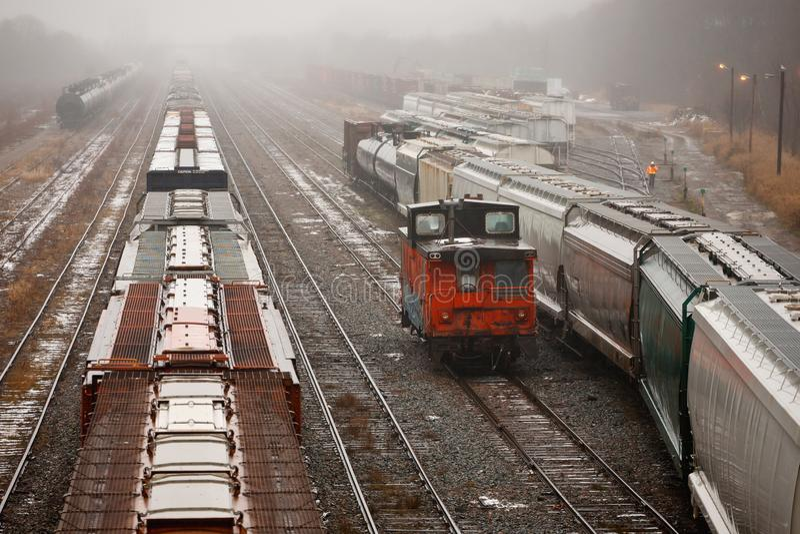 Yard de rail le jour humide photo libre de droits