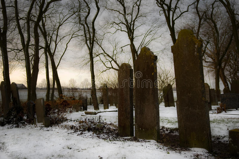 Yard grave sombre image stock