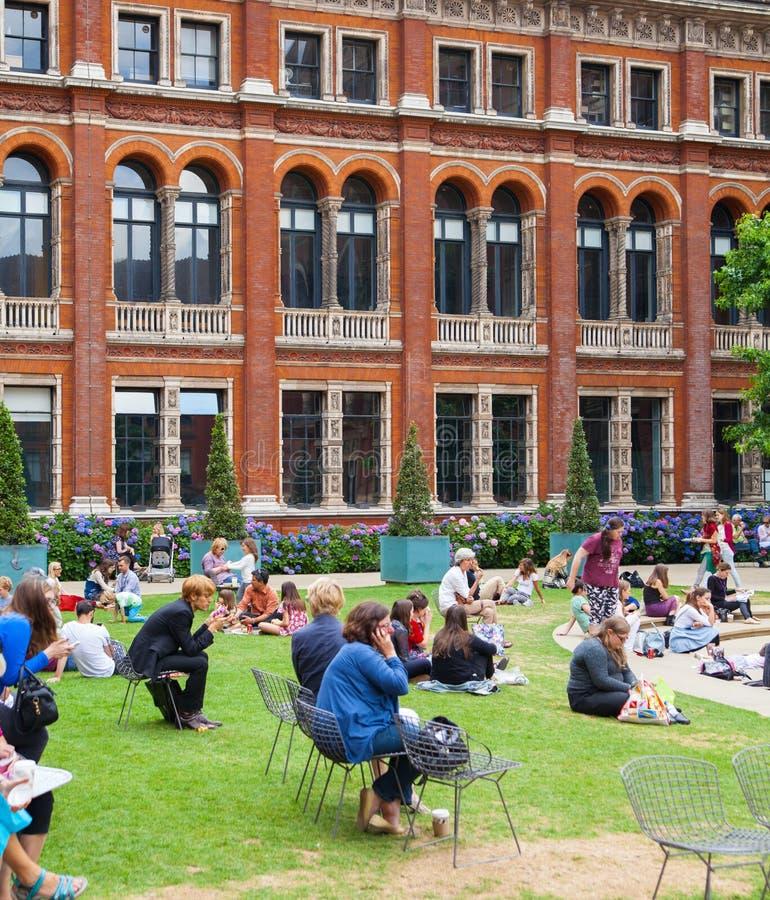 Yard intérieur de Victoria et d'Albert Museum photographie stock libre de droits