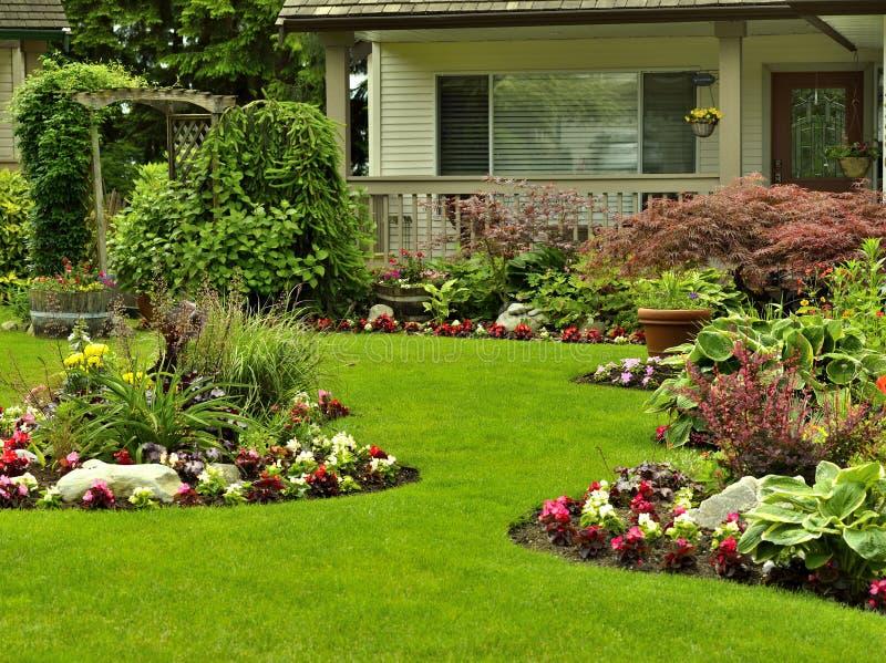 Yard Manicured image stock