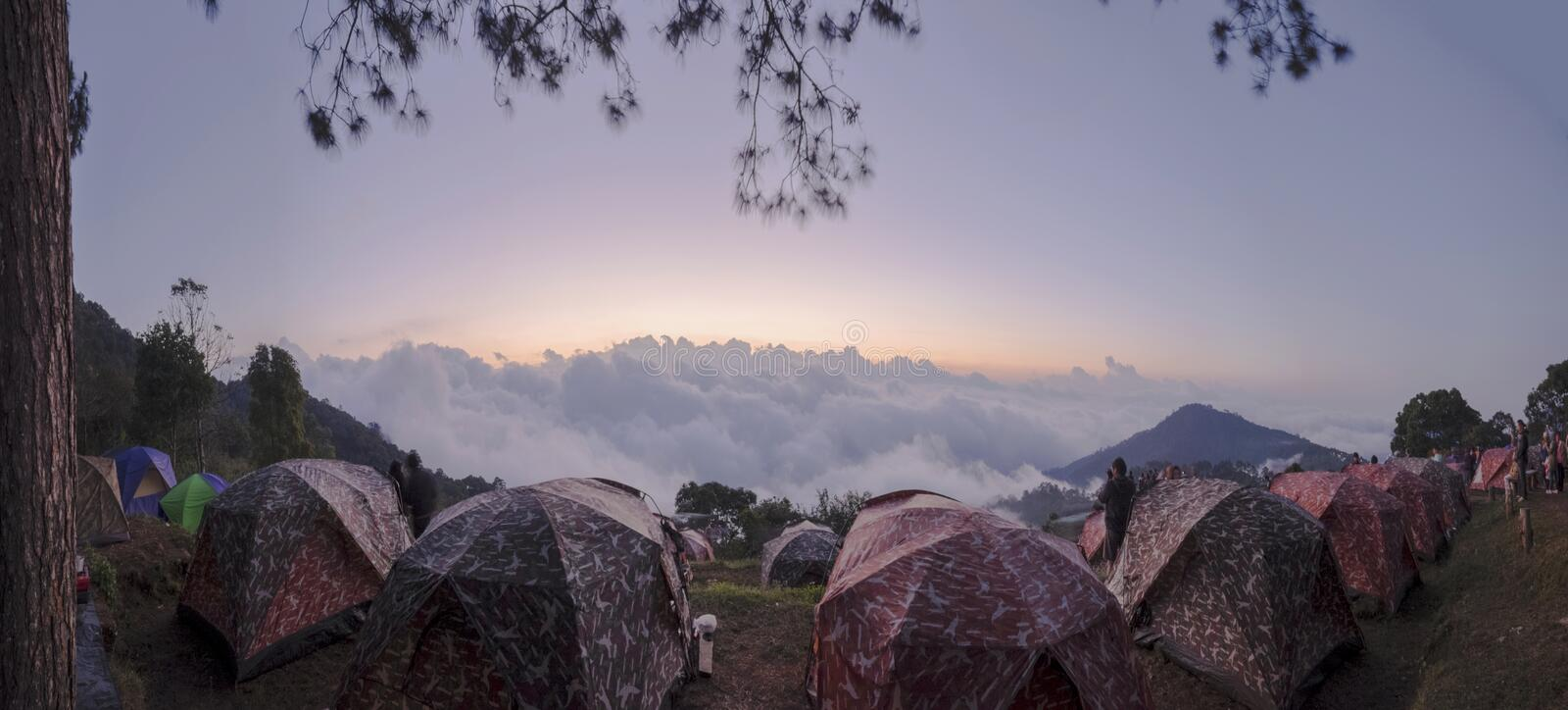 Yard pour camper chez Doi Ang Khang photos stock